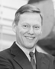 Alan R. Mulally, 1994 DESA Recipient